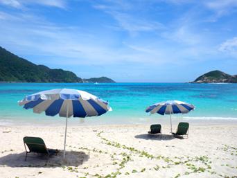 渡嘉敷島の阿波連ビーチ「阿波連ビーチの全景です」