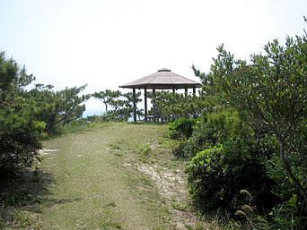 渡嘉敷島の森林公園展望台「森林公園の奥の道を進むと吾妻屋までたどり着けます」