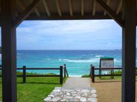 渡嘉敷島のナカチブルビーチ/中頭ビーチ - 海の透明度はかなりいい感じ