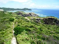 渡嘉敷島ウン島のウン島 - 渡嘉敷島まで望む景色は良いのだが・・・