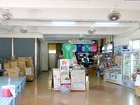 渡嘉敷島のお食事処シーフレンドジュニア/民俗資料館 - 2階がお店なので1階は看板のみ