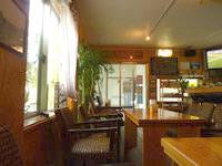 渡嘉敷島のシーサイドカフェGAKIYA/我喜屋商店 - 1階の室内もキレイです