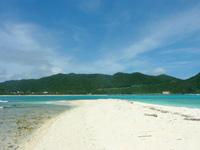 渡嘉敷島ハナレ島のハナレ島の砂の岬 - 砂しか無い岬は珍しい
