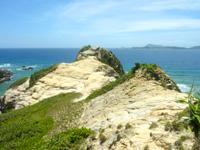 渡嘉敷島ハナレ島のハナレ島の岩山 - 1頂上1人様限定