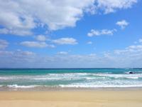 徳之島の花徳里久浜 - 波の音を楽しみには最高のビーチ!