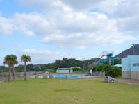 徳之島のヨナマビーチ/与名間浜 - プールなどの施設もまだありますが・・・