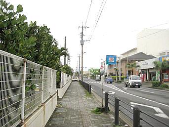 亀津の町並み