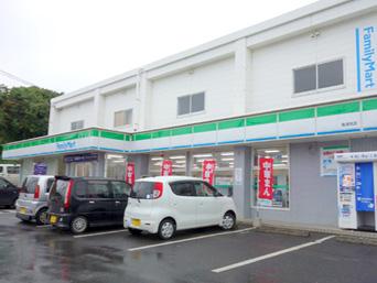 ファミリーマート亀津南店