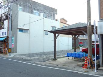 亀津バス待合所/徳之島総合陸運バス停