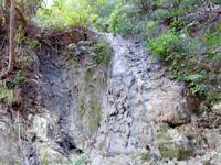 徳之島のタキンシャ途中の滝 - 途中の滝は枯れていることも!?