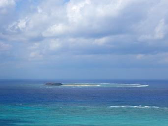 入砂島の入砂島/ちゅらさんオープニングの島「西森園地から見た入砂島」