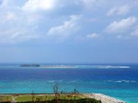 入砂島の入砂島/ちゅらさんオープニングの島 - サカシ散策路から見た入砂島