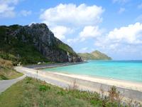 渡名喜島のアンゼーラ浜/アンジェーラ浜 - 東り浜より海の色は綺麗