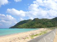 渡名喜島のアンゼーラ浜/アンジェーラ浜 - ビーチは広く自然のまま