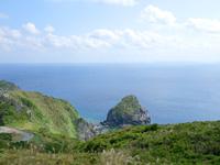 渡名喜島の大本田展望台/大岳展望台/渡名喜島園地 - 南は慶良間の島々を望めます