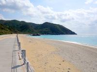 渡名喜島のユブク浜/呼子浜 - 綺麗に護岸整備されていました