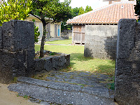 渡名喜島の渡名喜集落(重要文化財)