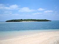津堅島のアフ岩