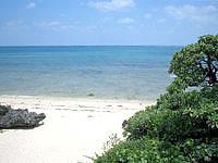 津堅島のキガ浜 - ビーチ自体は小さなプライベートビーチ