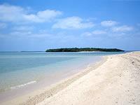 津堅島のヤジリ浜北