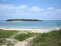 津堅島のヤジリ浜東