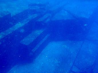与那国島の海底遺跡「自然が創り出したとは思えない造形」