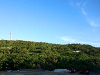 与那国島の元:蜃気楼の丘/現:自衛隊基地 - 丘の上には鉄塔や施設群が!