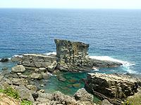 与那国島の「軍艦岩」