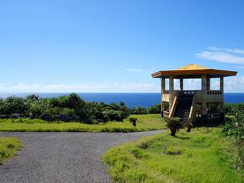 与那国島の立神岩展望台「今は存在意義がほとんど無くなった展望台」