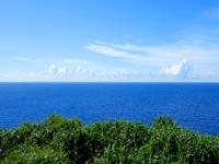 与那国島の立神岩展望台 - まさに水平線!この先には他の島はない!