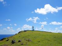 与那国島の東崎/あがりざき - 灯台はまさに岬の端っこにある!