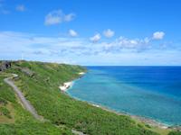 与那国島の東崎/あがりざき - 島の西側を望む光景は超おすすめ!