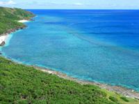 与那国島の東崎/あがりざき - ウブドゥマイ浜方面の海は超綺麗!