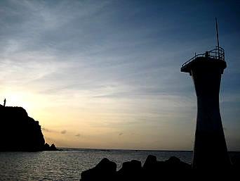 久部良港の夕日ポイント