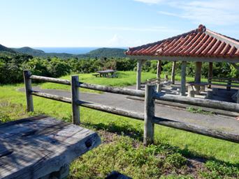 与那国島のインビ岳「基地整備後もインビ岳頂上からの景色は変化無し!」