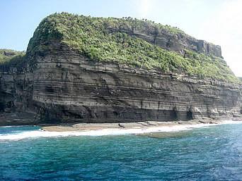 与那国島の新川鼻「雄大な岸壁」