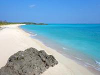 与論島の特別席/大金久海岸展望所 - クリスタルビーチまで一望