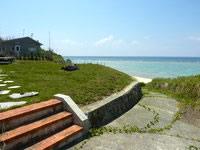 与論島の兼母海岸南/別荘前ビーチ - 別荘地には入らないようにしましょう