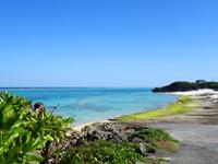 与論島の寺崎海岸/映画「めがね」メインロケ地 - 寺崎海岸の海に向かって右にもビーチ有り