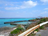 与論島の宇勝の漁港 - マラソンコースから脇道を入った先