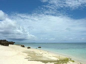 与論島のメーラビビーチ「素朴なビーチです」