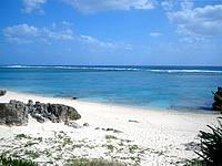 沖縄本島離島 与論島のワタンジ/麦屋の先の海岸の写真