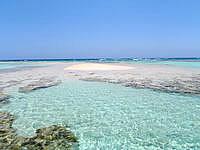 与論島の百合ヶ浜の砂浜 - 砂浜の範囲はそんなに広くはないかも?