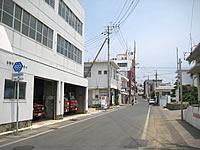 与論島の中央通り