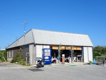 与論島のお食事処 味咲/なつこパーパーのお店「味咲は奥の建物」