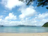 請島の請阿室のビーチ - 集落からも気軽に行けます