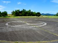 請島のヘリポート展望台 - これが請阿室と池地を結ぶ道からの入口