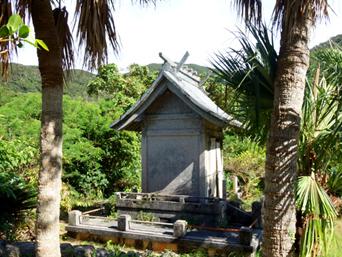 請島の奉安殿