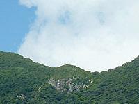 請島の大山ミヨチョン岳 - 山頂付近の岩肌