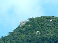 請島の大山ミヨチョン岳 - カルストのような地形です